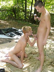 Outdoors: Camping in the woods results in a rim, suck & fuck-fest for these two dirty country boys! HD